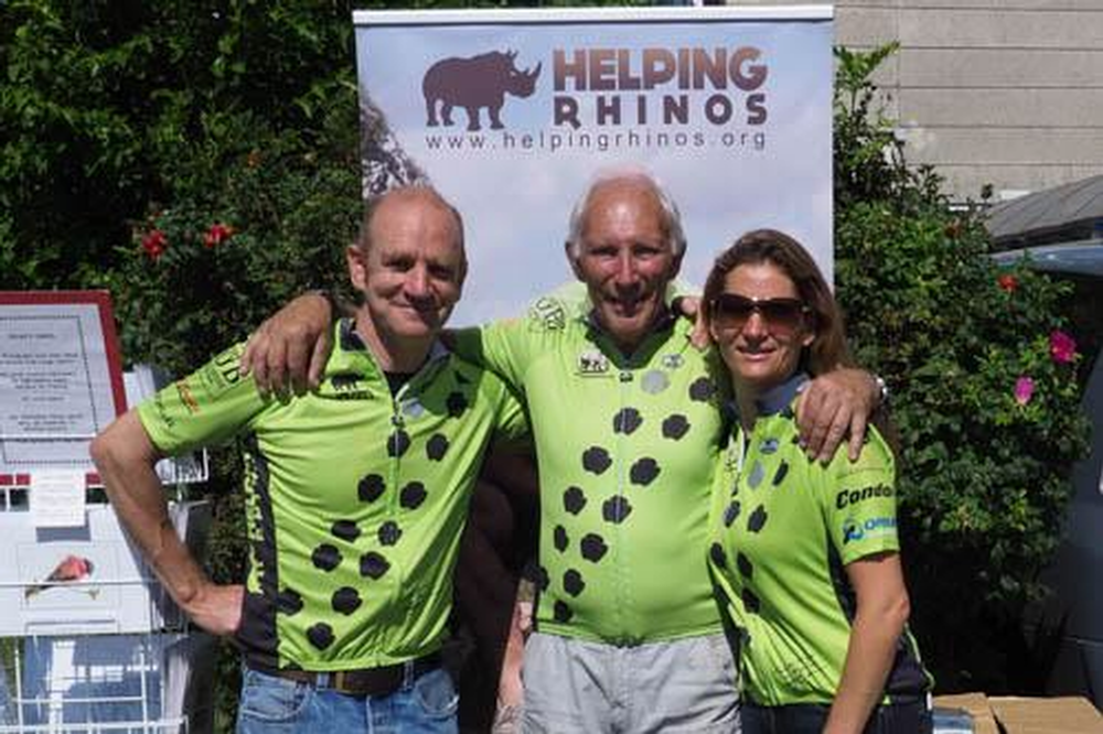 Cyclists Turn Out in style in aid of Rhinos